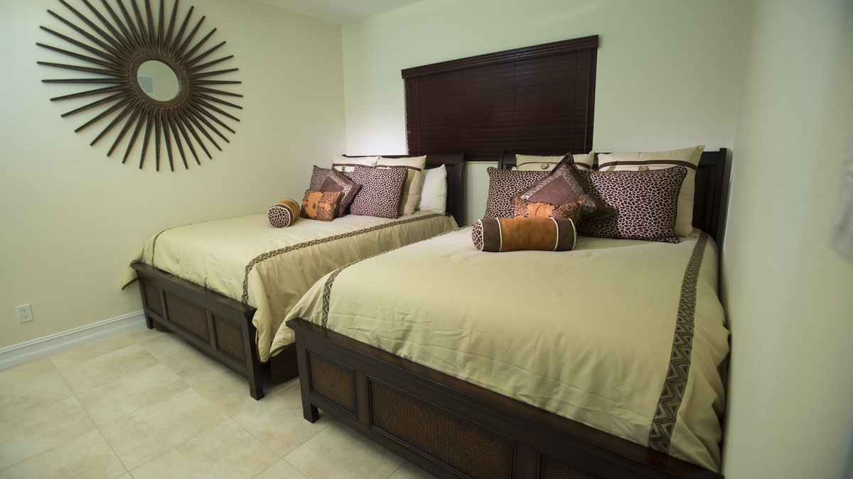 blue marlin cove 2 queen beds